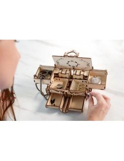 Joyero antiguo (Antique Box)