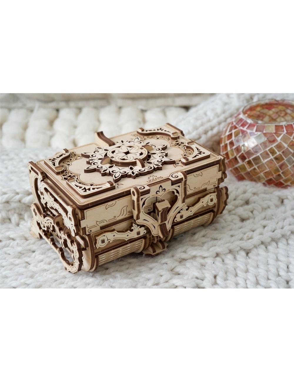 Joyero antiguo (Antique Box)