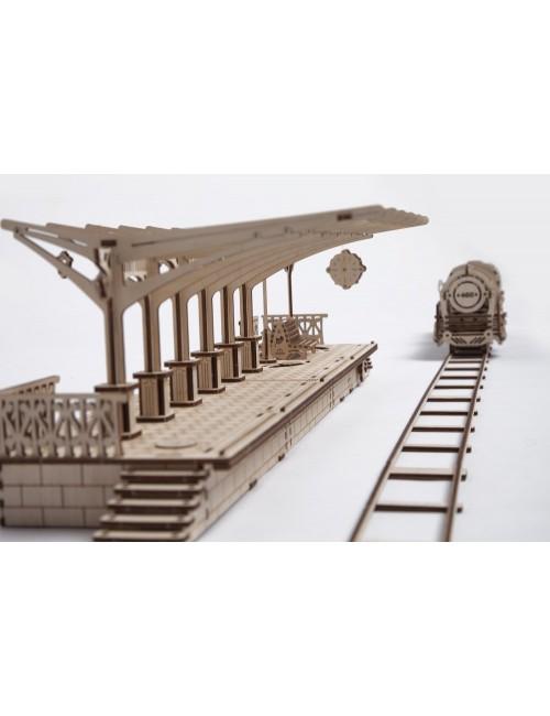 Locomotora con Andén